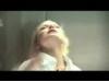 Obrázek k videu Blondýnka se opaluje